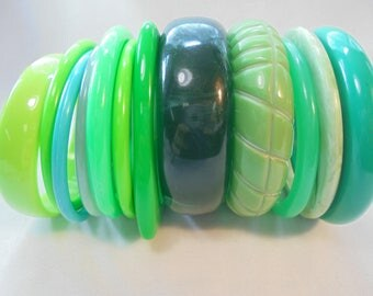 Vintage Greenery Green Lucite Bangle / Bracelet Lot of 12 Carved Vintage Plastic Carved Mod Retro Statement Runway