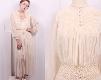 Vintage 1930's Ivory Silk Crepe Robe • 30's Cream Art Deco Honeycomb Smocked Cover-up • Size S/M