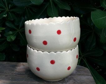 Red dots tulip tea bowls