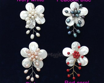 Hand Natural Shell Pearl Flower Brooch