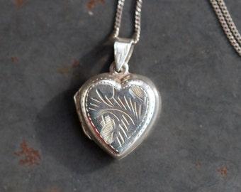 Silver Heart Locket - Sterling Silver Keepsake necklace - Vintage Love Pendant on Chain
