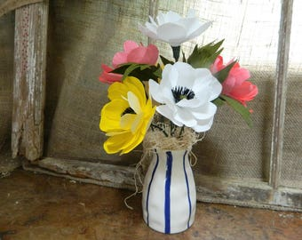 Poppies - Paper floral bouquet in vase