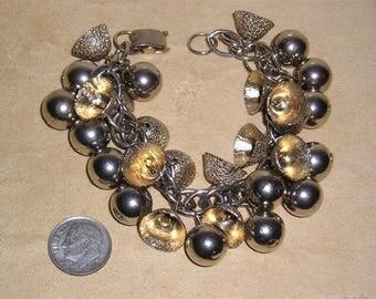 Vintage Gold Tone Jingle Bell Festive Charm Bracelet 1950's Jewelry 10071