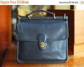 NEW YEAR SALE / vintage Coach navy blue leather purse / coach Willis bag