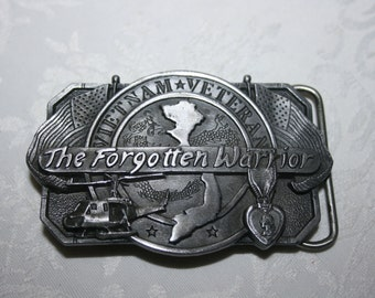 "Vintage Mens Metal Belt Buckle "" Vietnam Veteran "" "" The Forgotten Warrior "" By Sishiyou Buckle Co. Williams, Oregon 1983"