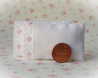 Dollhouse Miniature Set of 2 Soft White Bed Pillows with interlocking chain trim - 1:12 scale