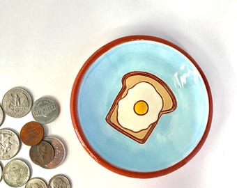 Egg on Toast Bread Trinket Ring Earring Jewelry Condiment Salt Dish Pincher Retro Diner Ceramic Breakfast