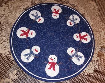 Snow folks circle quilt, Winter quilt, Little Quilt 0110-01
