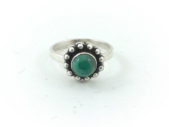 Vintage Native American Style Malachite Sterling Ring. Navajo Ring Green Stone Ring / Southwest Sterling Ring /Sterling 925 Vintage Ring