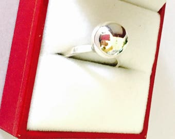 Vintage round/Ball Silver Ring Size 7. , Stamped .925, Clearance Sale, Item no. S125