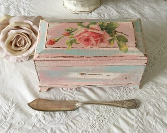 Shabby Recipe Box, Jewelry Box, Trinket Box, Treasure Chest, Vanity decor, craft room storage, desk organizer, fanny Pippin