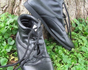 Vintage Black Granny Ankle boots booties size 7
