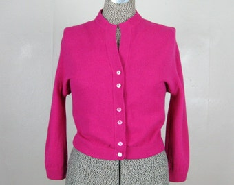 Vintage 1950s Fuchsia Pink Sweater 50's Fitted Pinup Cardigan Sweater Size L