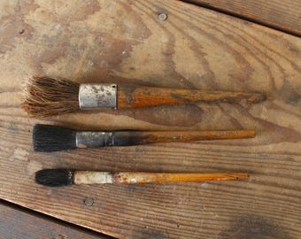 Vintage Paint Brushes Old Brush Collection of 3 Display Decorating