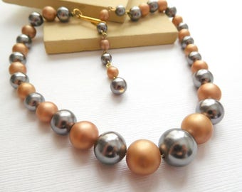Vintage Signed Japan Caramel Brown Gray Bead Lucite Choker Necklace O35