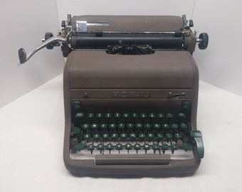 1953 HH Royal Typewriter Standard 43 Key HHP PICA with Green Keys  - Office Model, in fantastic cosmetic and working condition