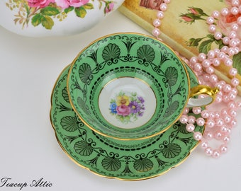 Royal Bayreuth Green Teacup With Fruit Center, German Porcelain Teacup And Saucer, ca. 1968