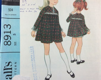 McCall's 8913  Pattern - UNCUT Complete. 1960s Girl Dress Pattern Size 5. Toddler Dress and bloomers