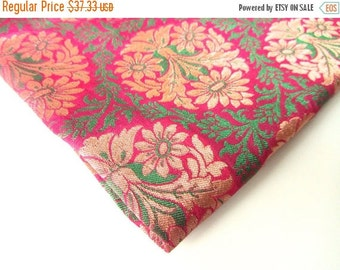 ON SALE Red moss green paisley silk brocade India fabric nr 131  REMNANT