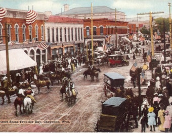 Vintage Postcard...Wyoming, Cheyenne, Street Scene Frontier Day...Used, 191?...no. WY0019