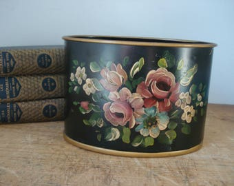 Vintage Toleware Container/Hand Painted Tole Desk Organizer/Toleware Oval Container/Vintage Tin/hand painted flowers/Vintage Tole Ware