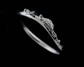 Delicate Leaves Women's Wedding Band, Organic Curved Leaves Wedding Ring, Nature Inspired Ring, Engraved Leaves Ring, White Gold 1.5mm Ring