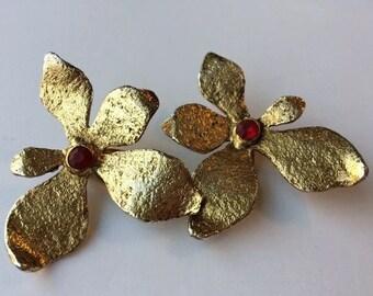Patrick Retif Paris Botanical Vintage Couture Runway Flower Earrings Red Center