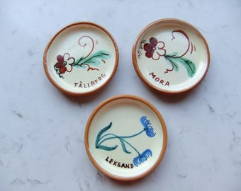 Vintage Swedish set of three hand painted small plates - Dalarna - Nittsjö ceramic