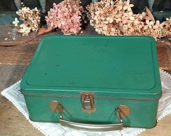 Vintage 1940s Green Metal Lunchbox