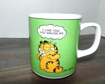 Vintage 1978 Garfield coffee mug Jim davis United Feature Syndicate Enesco e-7415 I like you, you amuse me