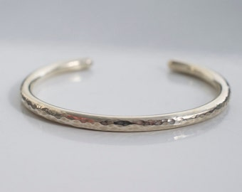 Heavy round cuff bracelet -- hammered cuff bracelet - 925 solid sterling silver cuff - sturdy cuff bracelet