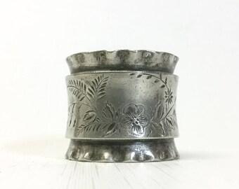 Pewter Napkin Ring - Brite Cut Flowers & Ruffles - Antique Engraved
