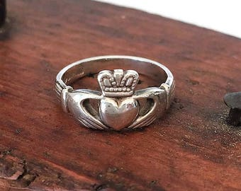 Vintage Claddagh Ring, Sterling Silver, Irish Wedding Ring, Size 8 Ireland Friendship Loyalty Promise Ring