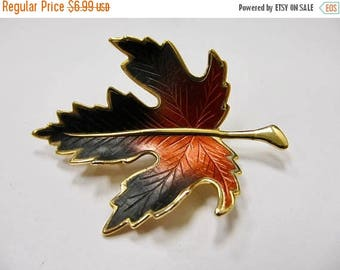 On Sale Vintage Brown Enameled Leaf Pin Item K # 2930