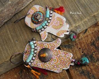 Bohemian earrings-asymmetrical earrings-tribal spirit-rustic earring-ethnic style-organic mood-bohemian look-hand of Fatima-turquoise-orange