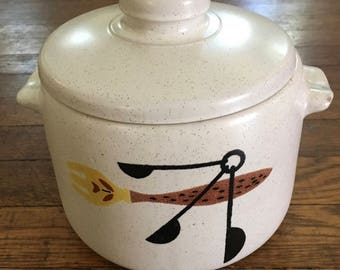 Classic Mid Century West Bend Bean Pot with Lid, Utensil and Fork Design, Earthenware, Stoneware, Gray Speckle