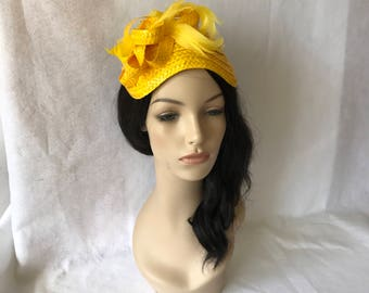 Vintage inspired1950s yellow half hat with feathers, yellow church half hat, yellow tea party hat, yellow wedding hat