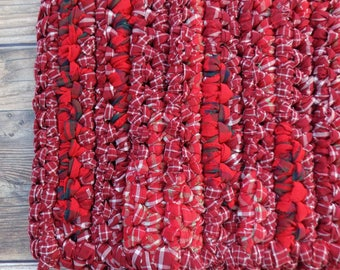 Red Rag Rug - Country Home Decor - Bedside Rug - Easy Care Machine Washable - Bath Mat for Crimson Bathroom - Washable Porch Rug - Pet Bed
