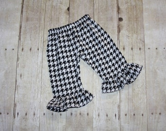 3m houndstooth ready to ship Ruffle Pants Baby, toddler, and girls ruffle pants sz 3m ruffle pants