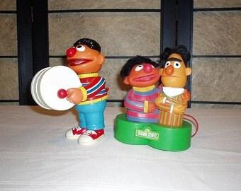 Vintage Sesame Street Wind-Up Ernie Drummer/Bert and Ernie Radio