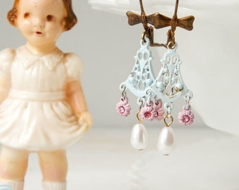 Shabby cottage chic earrings / shabby jewelry / upcycled earrings / vintage chandelier earrings / shabby chic jewelry / upcycled vintage