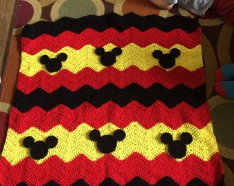 Mickey Mouse Crochet Baby Blanket Pattern : mickey mouse blanket ? Etsy