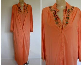 Modest Peach Peignoir Set / Vintage Gossard Artemis Peignoir Set / 1960's Vintage Lingerie / Full Length Melon Gown Robe