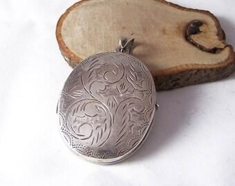 Vintage Sterling Silver Locket Necklace, Silver Etched Locket, Oval Locket, Engraved Locket, Silver Locket, Double Sided Locket