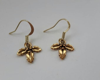 Holly leaf antique gold seasonal dangle delicate earrings