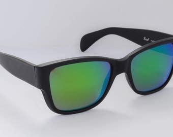 Vintage Persol 40201 sunglasses (69218 Sport Version, wayfarer style)