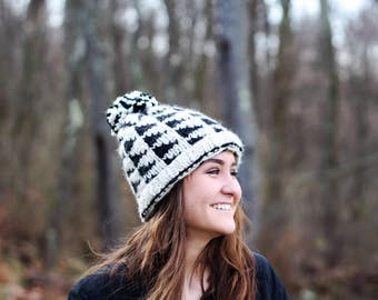 Herringbone hat in black and white