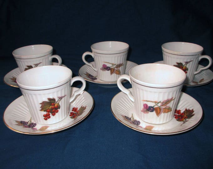 Set of 5 Royal Worcester EVESHAM Gold Trim Porcelain Fluted Cups with Saucers, Leaf & Berry (c. 1970s)