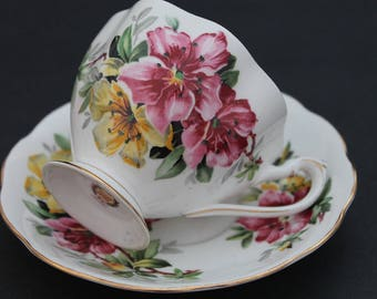 "QUEEN ANNE Bone China Teacup and Saucer Set ""Azalea"""