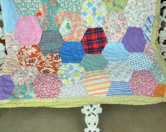 Country Quilt, Hand Made - Cotton, Beautiful Small Stitches, Green Edge - Vintage - Fabulous!